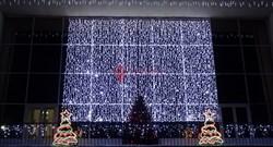 Украшение фасада световым занавесом 2х6 метра