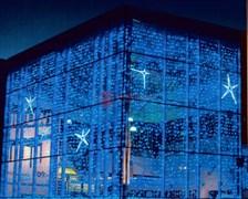 Flash Плей-Лайт 2 х 9 метров украшает фасад здания